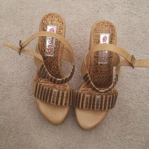 Two Lips Wedges size 8